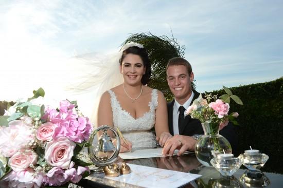 DSC 59051 550x366 Natalie & Jonathons Vintage Twist Dayboro Wedding