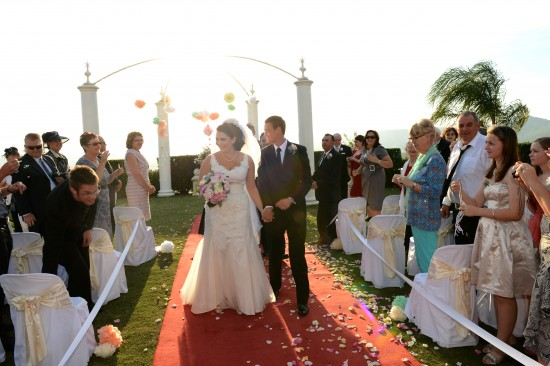 DSC 5925 550x366 Natalie & Jonathons Vintage Twist Dayboro Wedding