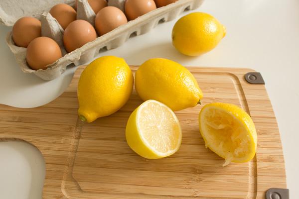 Lemon-curd-in-progress