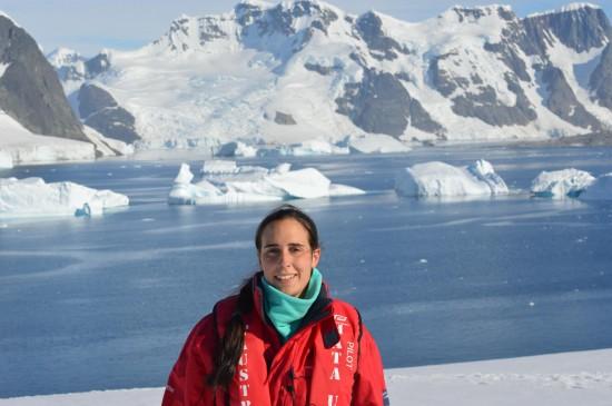 830285 10152589498375232 1346331280 o 550x365 Antarctic Adventure Honeymoon