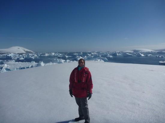 858137 10152589545815232 1359308513 o 550x412 Antarctic Adventure Honeymoon