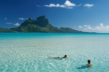 Bora-Bora-lagoon-swim