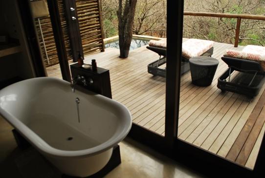 Luxury-Safari-Accomodation-Mountain-Lodge