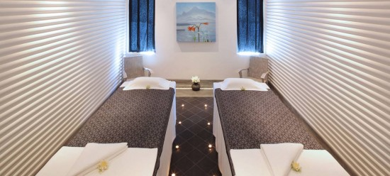 spa treatment shinta mani 550x248 The Polkadot Travel Lounge With Kirsty from Mobile Travel Agents