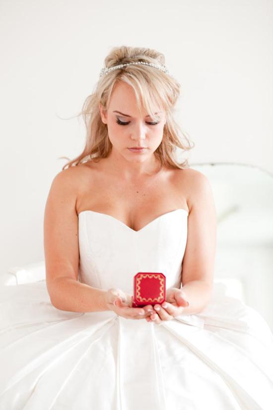 stylish bridal accessories26