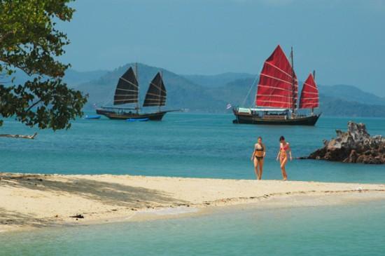 beach phang nga bay 550x365 An Adventure To Remember For Your Honeymoon