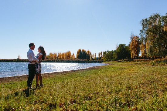 pic11lake1 550x366 Chris and Audreys Autumn Love Story Shoot