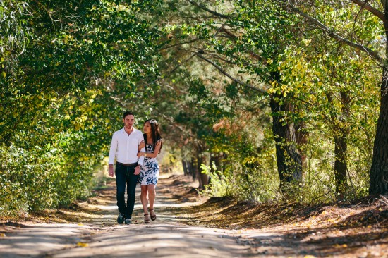 pic6proposal2 550x366 Chris and Audreys Autumn Love Story Shoot