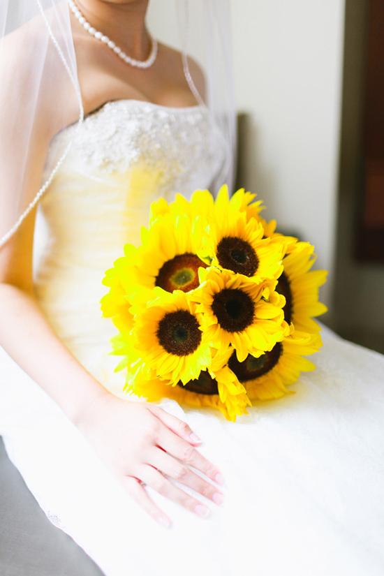 sunflower wedding inspiration01 Sunflower Wedding Inspiration