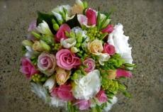 winter berry wedding bouquet