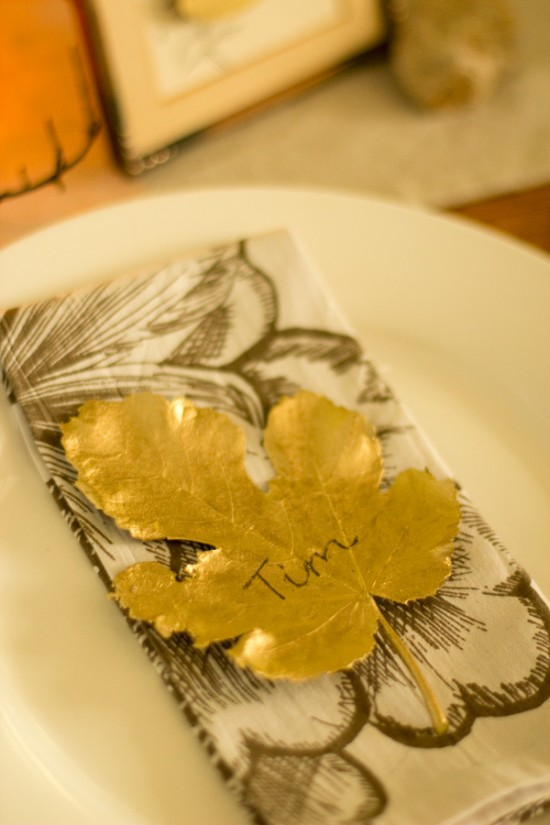 Gilded table decor 3 550x825 Gilded Leaf DIY Wedding Place Cards