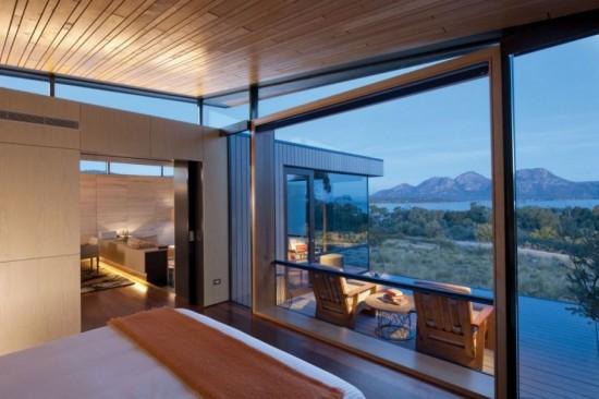 The Saffire Freycinet Resort in Tasmania 5 550x366 Polka Dot Travel Lounge Honeymoon Travel Advice With Kristen from HotelsCombined