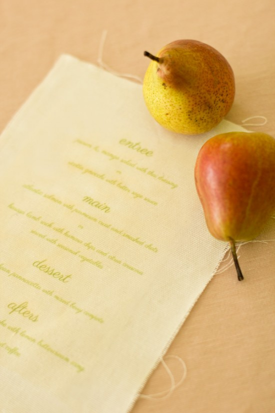 peach sage 05 550x825 DIY Fabric Wedding Menu Tutorial