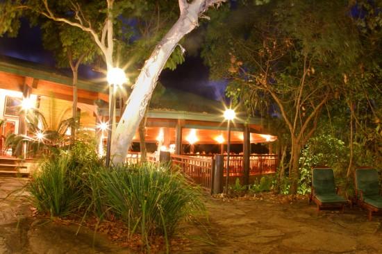 Thala Beach Lodge Osprey Restaurant at night
