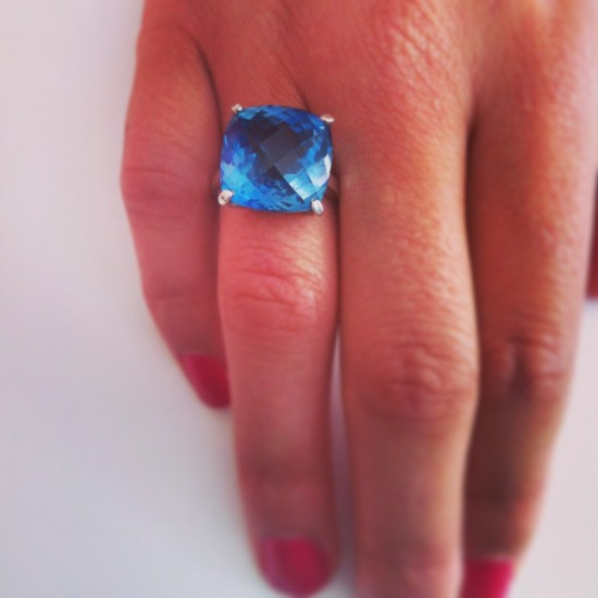 cushion-checkerboard-blue-topaz-silver-ring-top-down-treated