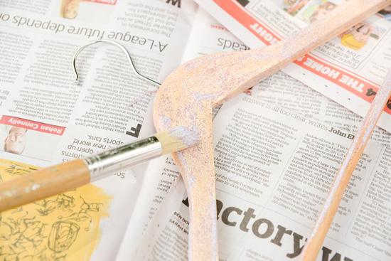 glitter hanger method