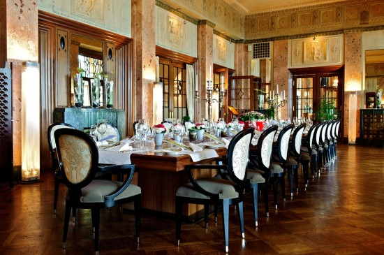 ADHM Scala Restaurant Banketttisch 001 550x365 Storybook Switzerland For Honeymooners