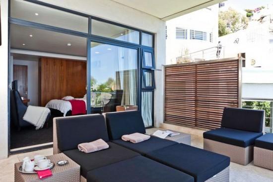 Deluxe Room (Ocean-facing) Balcony