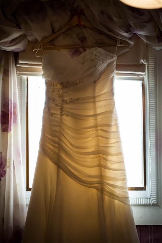 Almora and Leigh 6 550x825 Almora & Leigh's Rustic Winter Wedding
