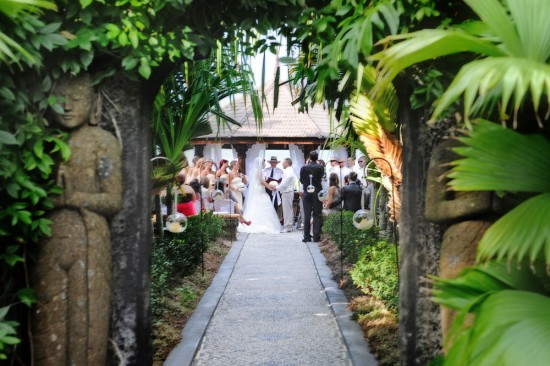 - ceremony BALI FEEL