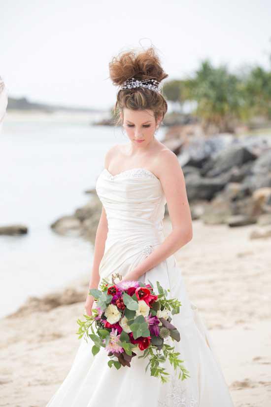 colourful beach wedding001