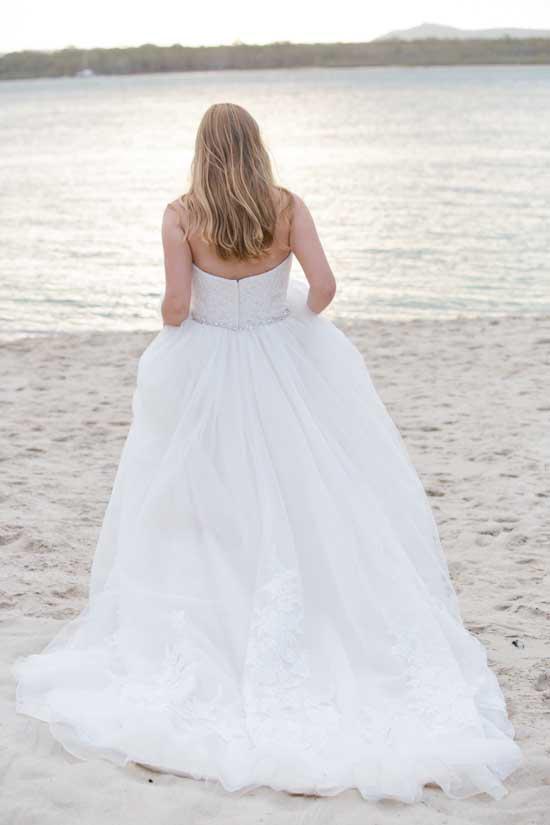 colourful beach wedding021