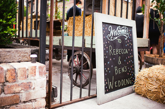 relaxed cafe wedding042