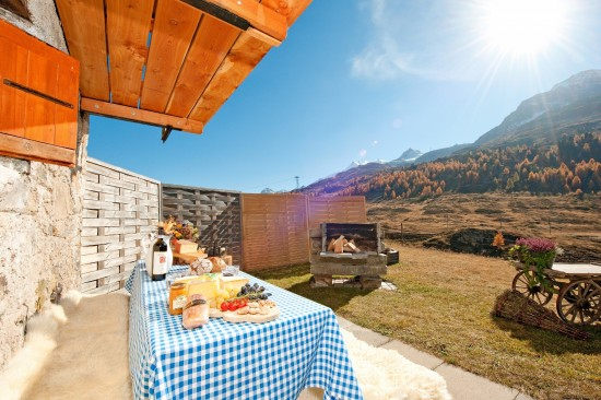 Grand Hotel Kronenhof Alp Hut 1 2000x1333 550x366 Grand Hotel Kronenhof Swiss Honeymoons