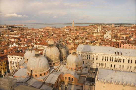 Venice 10 550x366 Weddings & Honeymoons In Venice Italy