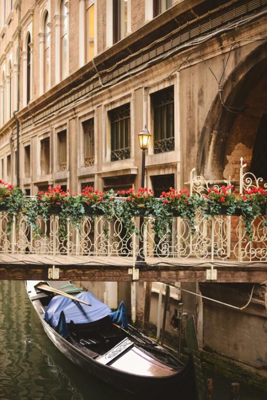 Venice 2 550x825 Weddings & Honeymoons In Venice Italy