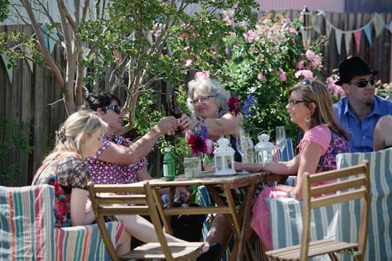 relaxed backyard wedding049