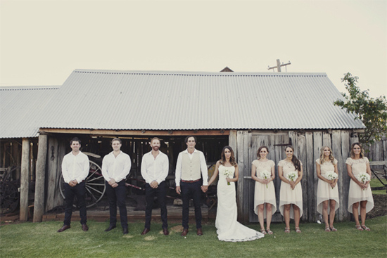 relaxed barn wedding046