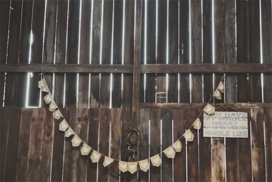 relaxed barn wedding064