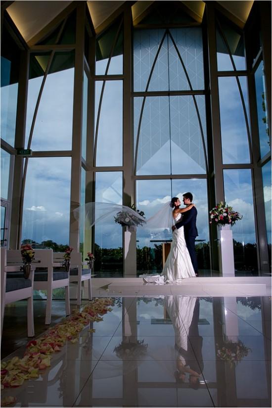 4321 550x824 Josh & Kassis Aqua Blue Wedding In The Glasshouse