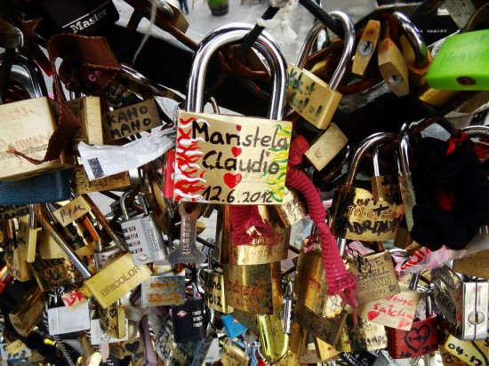 Locked Copyright Maristela Serra Ramos Tourism France 550x412 Love at New Heights – The Worlds Top 5 Love Monuments