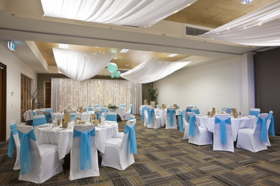 Lohrey Room 550x366 Whitsundays Weddings: Peppers Airlie Beach