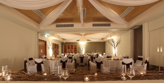 Peppers Lohrey Room 2 550x280 Whitsundays Weddings: Peppers Airlie Beach