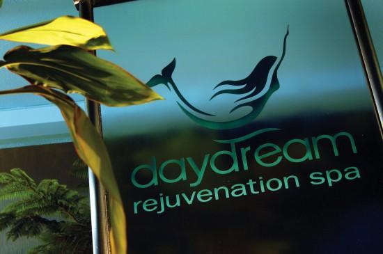 Spa entry sign 550x365 Whitsundays Weddings: Daydream Island