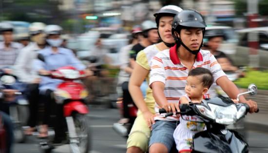 saigon mark soskolne dreamstime 11409416 550x314 Why Honeymoon in Vietnam?