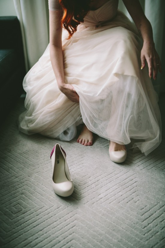 web 226 550x825 Choosing Your Wedding Shoes And Dress