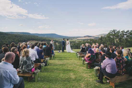 relaxed farm wedding042