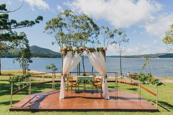 vintage inspired lakehouse wedding009 Lucy and Pauls Vintage Inspired Lakeside Wedding