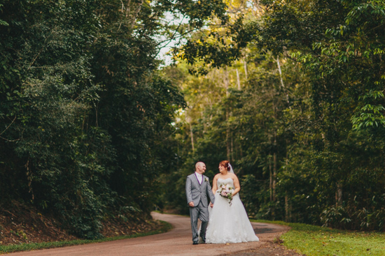 vintage inspired lakehouse wedding049 Lucy and Pauls Vintage Inspired Lakeside Wedding