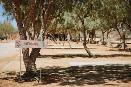 modern handmade desert wedding009