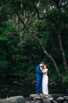 modern riverside wedding0046