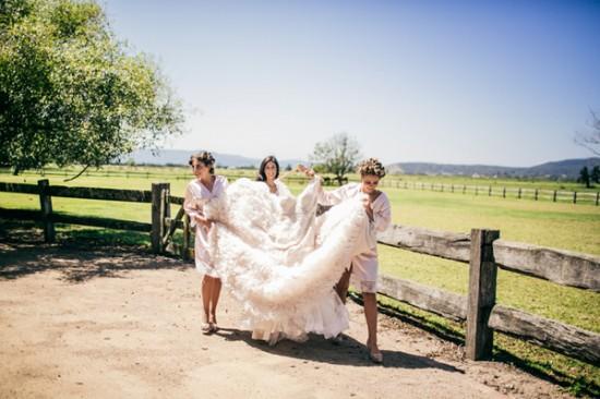 romantic wedding style2277 550x366 Sam & Amandas Romantic Wedding In Berry