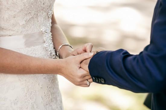 romantic wedding style2281 550x366 Sam & Amandas Romantic Wedding In Berry