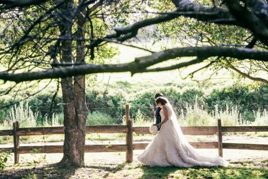 romantic wedding style2283 550x366 Sam & Amandas Romantic Wedding In Berry