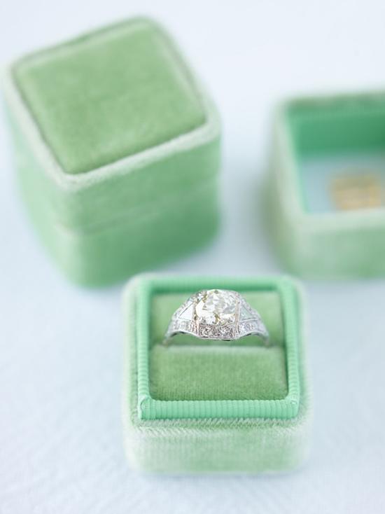 velvet ring box0005 Vintage Velvet Ring Boxes From The Mrs Box