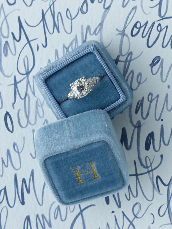 velvet ring box0007 Vintage Velvet Ring Boxes From The Mrs Box